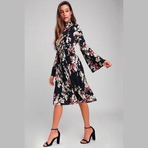 Lulu's   Floral Print Pleated Midi Dress